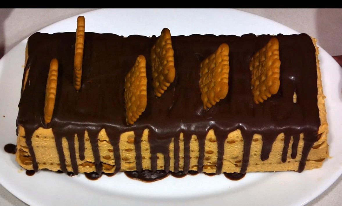 tarta de galletas y cafe